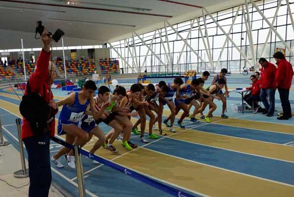 Cto de Cataluña Juvenil de 3.000 metros Pista Cubierta Sabadell 07-02-2016